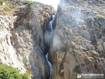 Montaña Leonesa Babia;Viaje senderismo puente; fin de semana romantico escapadas fin de semana